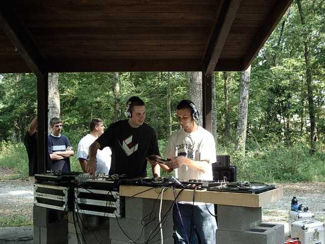 dj Dekane and Scratch B peepin out the wax.